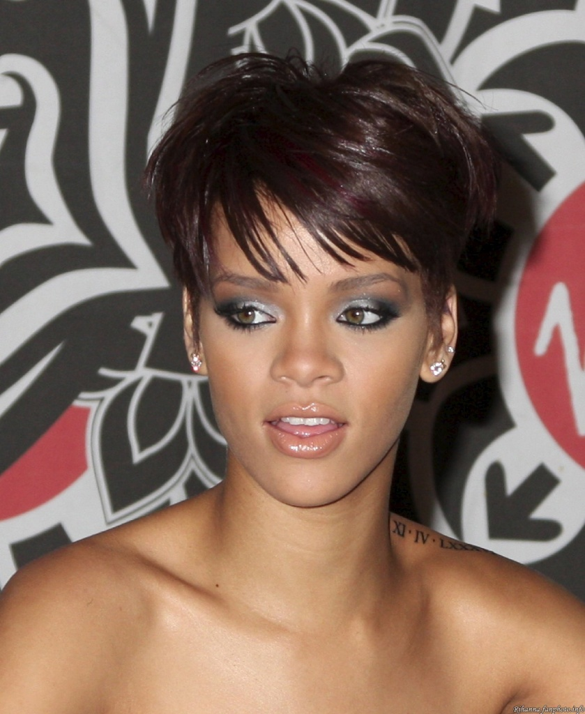 tutorial maquillage de rihanna