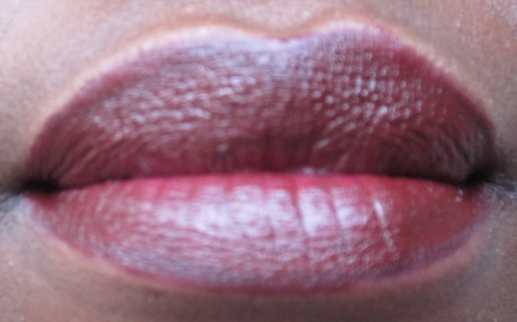 rouge à lèvres prune peau noire