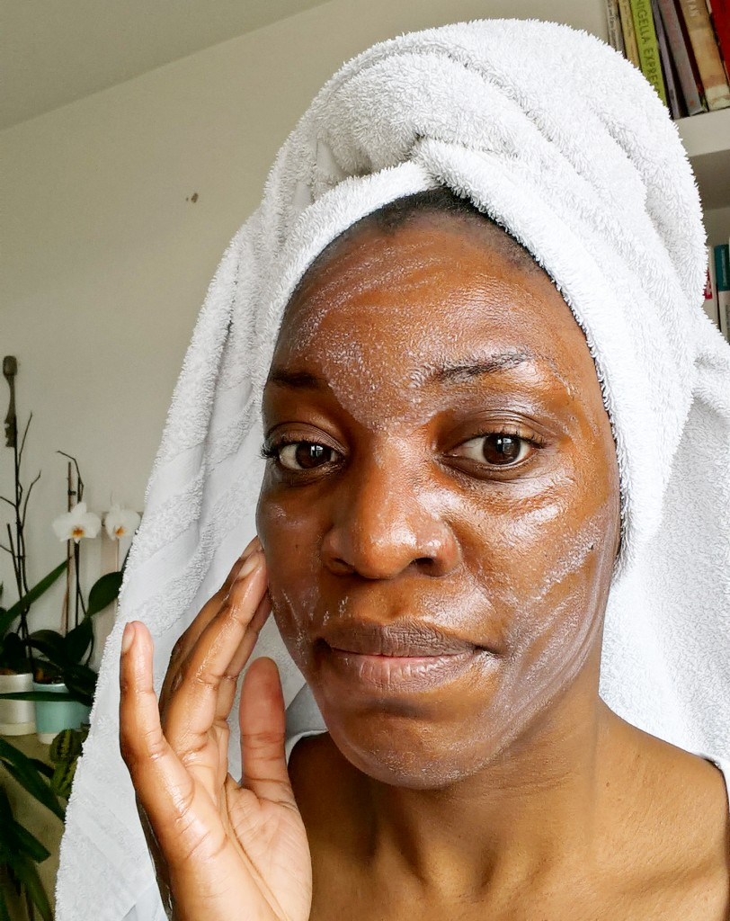 3 antonia burrell natural oil cleansing glow